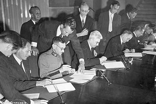 Geneva 1949 Diplomatic conference for the revision of the statuts